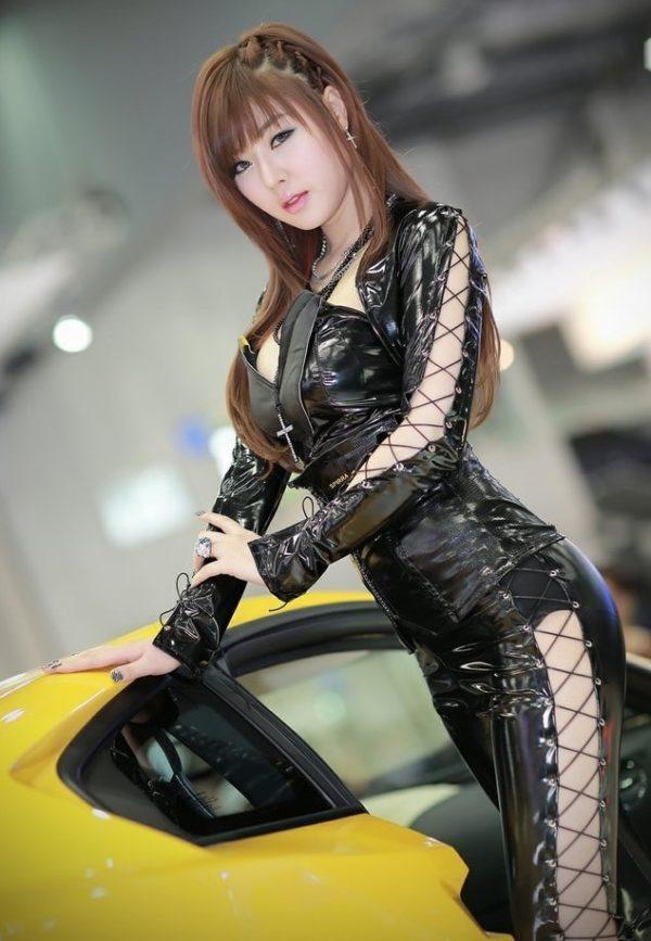 Người mẫu xe hơi Hwang Mi Hee