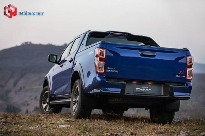 Ngoại thất hông xe và đuôi xe Dmax 2021